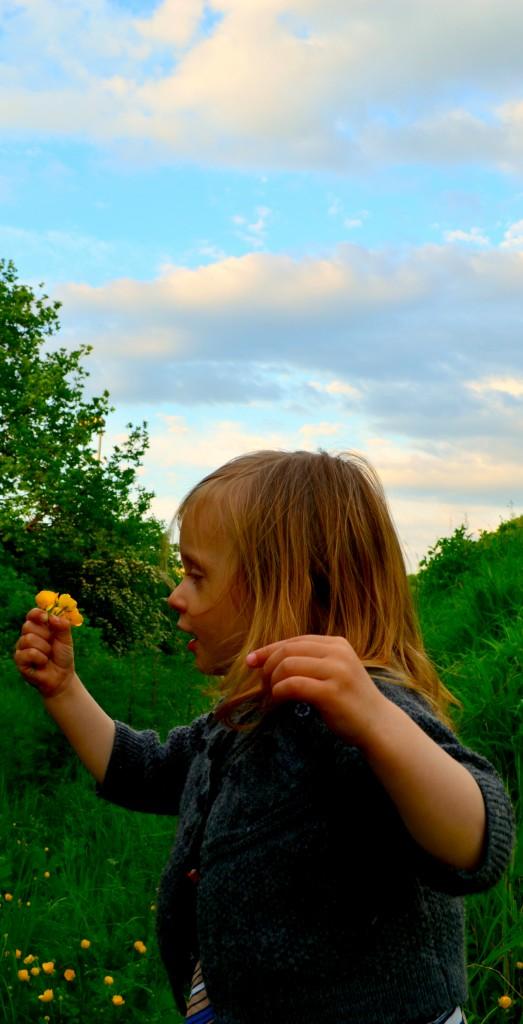 Das Tragekind ist passé, heute ist sie ein Blumenkind